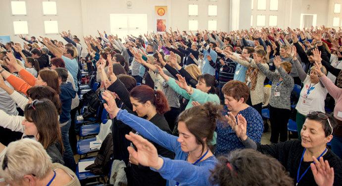 Podignute ruke 2