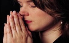 majka moli Boga